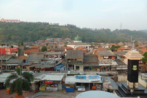 """Merak - our first city on Java with amazing street food ///// Merak - die erste Stadt Java's, die wir besuchen, mit richtig leckerem """"street food"""""""