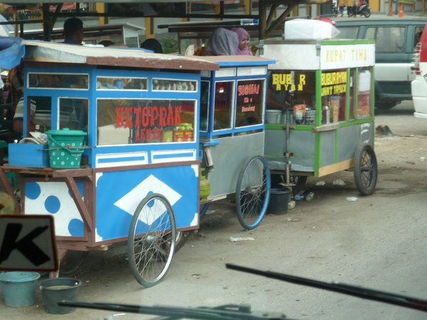 Merak - street food