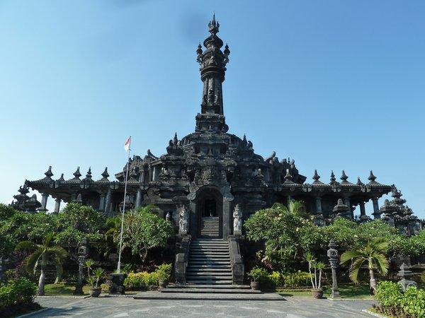 A Hindu temple ///// Ein hinduistischer Tempel