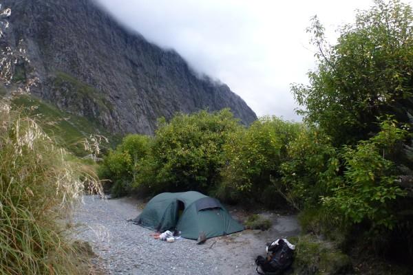 Our tent in the river bed - we have learned our lesson: never camp in a river bed! ///// Unser Zelt im Flussbett - Lektion gelernt: zelte niemals in einem Flussbett!