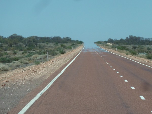 On our way from Alice Springs to Adelaide - it is REALLY hot ///// auf dem Weg von Alice Springs nach Adelaide - es ist SEHR heiß